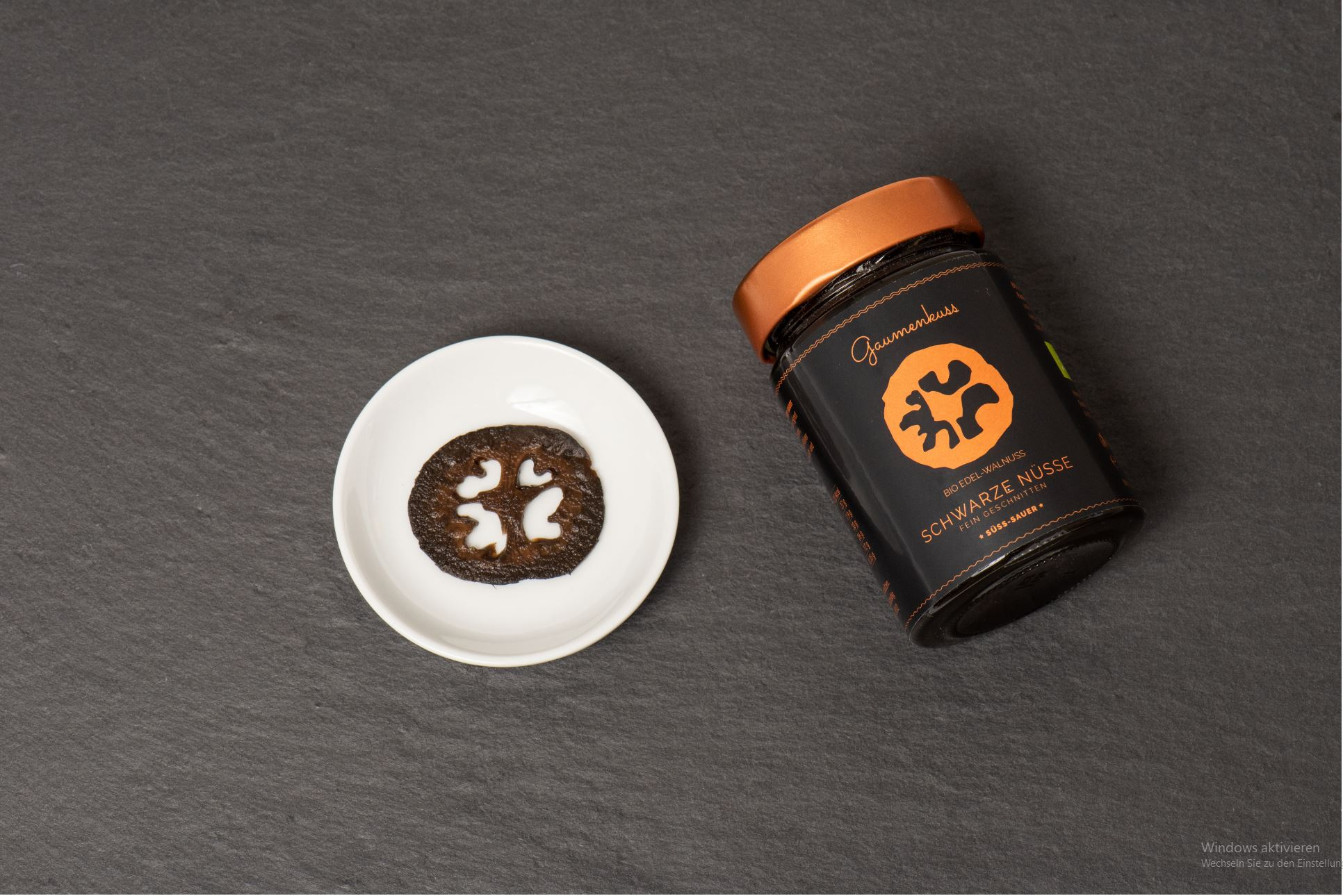 BIO Schwarze Nuss - fein geschnitten, süss-sauer, mind. 12 Monate gereift